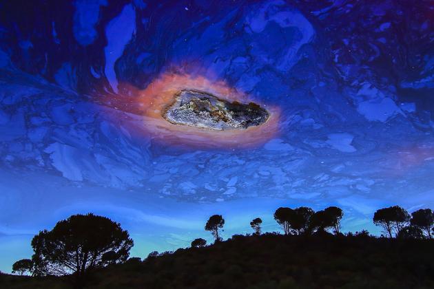 """Gewinnerbild """"Meteorit"""" vom """"Glanzlichter-Naturfotograf 2018""""  Manuel Enrique González Carmona aus Spanien"""