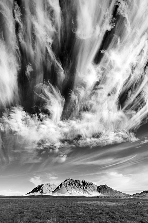 """Allover Gewinnerbild von Thomas Kolenbrander: """"Dramaturgie des Himmels -Wolkenhimmel über West-Island"""""""