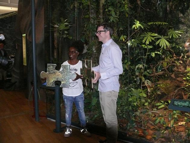 Shary Reeves und Ralph Caspers in der regenwald-Ausstellung.