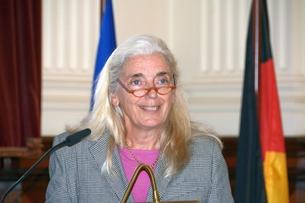 Isabel Pfeiffer-Poensgen, Ministerin für Kultur und Wissenschaft des Landes Nordrhein-Westfalen, im Festsaal des Museums Koenig bei ihrer Ansprache.